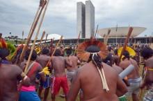 Manifestação Indígena contra a PEC 215, foto Mario Vilela/FUNAI